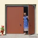 brama garażowa uchylna ręczna z drzwiami wiśniowski